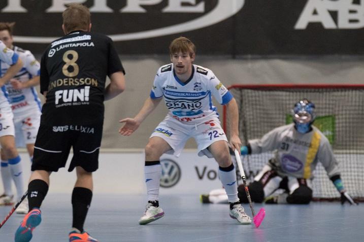 Henri Johansson on miesten Salibandyliigan kaikkien aikojen toiseksi paras maalintekijä. Kuva: Topi Naskali