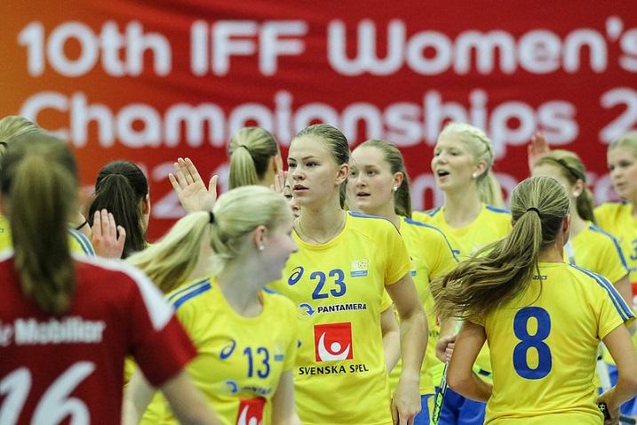 Ruotsi otti tyttöjen turnausvoiton vakuuttavalla maalierolla 19-2. Kuva: Salibandyliiga