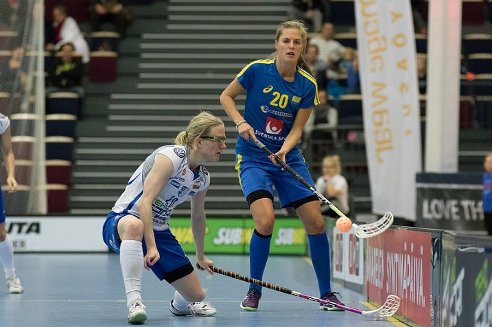 Kun Suomen konkaripelaaja Anne Suomalainen valittiin MM-kisojen MVP:ksi vuonna 2003, puolustaja My Kippilä oli 6-vuotias. Kuva: Salibandyliiga