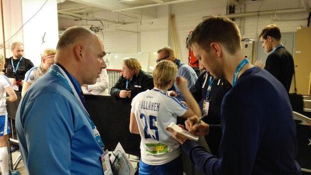 Suomen päävalmentaja Marko Paju oli hiljainen mies naisten MM-finaalin jälkeen. Kuva: Ilkka Kittilä.