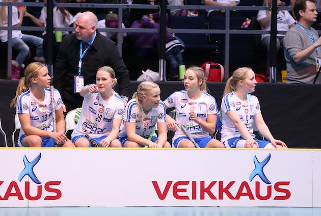 Tshekki-välierä sai päävalmentaja Marko Pajunkin mietteliääksi. Kuva: Ville Vuorinen.