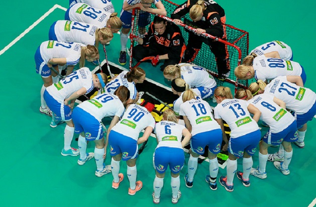 Suomi ja Saksa kohtaavat tänään MM-puolivälierissä. Ottelu alkaa klo 18.15 ja kamppailu nähdään suorana Yle TV 2:lta. Kuva: Ville Vuorinen