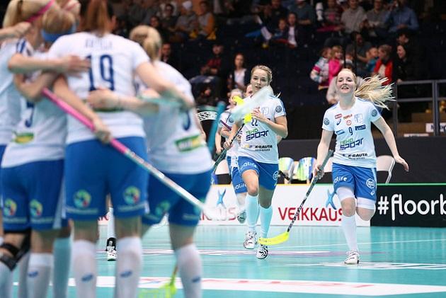 Suomi ja Tshekki kohtaavat MM-välierissä perjantaina klo 17.45 Hakametsän jäähallissa. Kuva: IFF/Ville Vuorinen