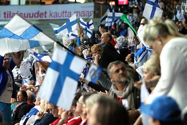 Jos Jani Hakkaraisen nostamat pointit toimivat, katsomossa voi päästä tuulettamaan eilisen tavoin. Kuva: IFF