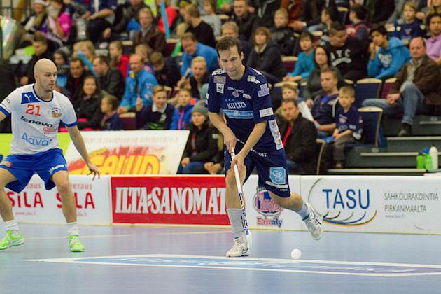 Veli-Matti Luukko on pelannut 12 kautta Salibandyliigassa. Arkistokuva: Topi Naskali.