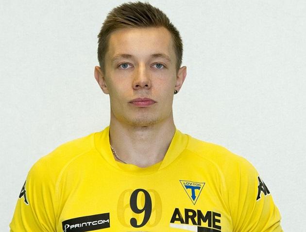 Dan Forsström tuomittiin jälkikäteen kahden ottelun pelikieltoon Wirmo-ottelun tapahtumien vuoksi. Kuva: Salibandyliiga