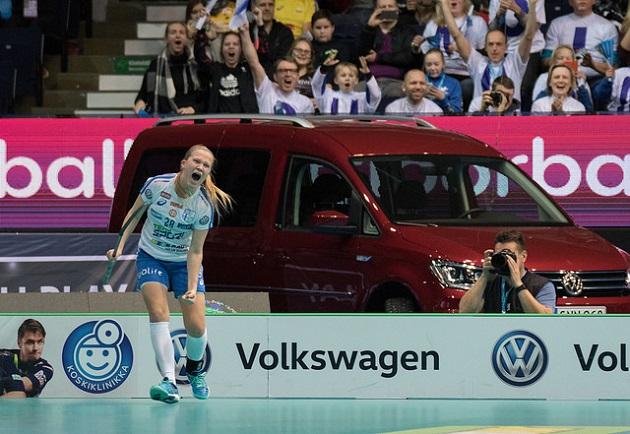Veera Kauppi esiintyi vahvasti joulukuun naisten MM-kotikisoissa. Nyt Kauppi nähdään taas myös Suomen tyttöjen U19-maajoukkueen mukana. Kuva: IFF