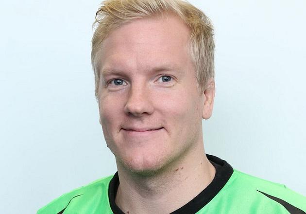 Steelers-maalivahti Jaakko Vahtokarilla riitti töitä maalillaan viikonlopun aikana. Kuva: Salibandyliiga