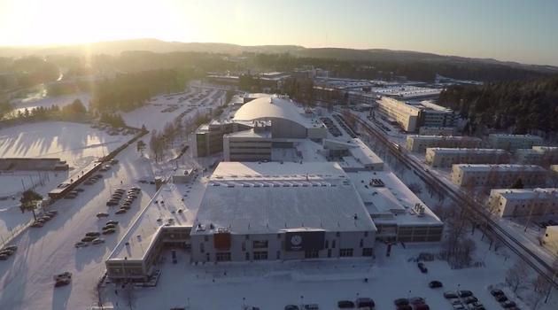 Hirviteatteria on nähty Hippoksen alueella Jyväskylässä niin jäähallissa kuin Monitoimitalollakin. Kuva: Kuvakaappaus videolta