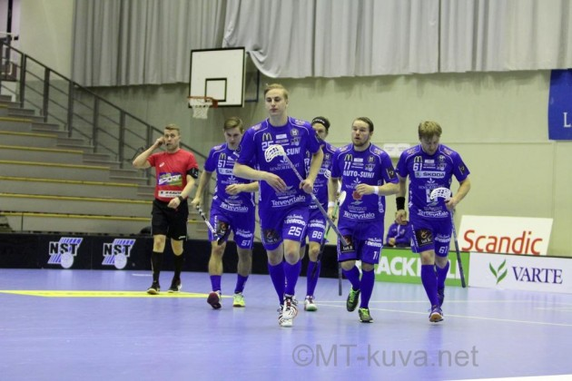 Lappeenrannan NST oli ennen lauantaita viimeksi voittanut Salibandyliigassa 29.11. Arkistokuva: Markku Taurama