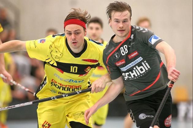Markus Kulmala (oik.) ei selviytynyt Usterin kanssa playoffeihin. Kuva: Severin Binkert / Unihockey.ch