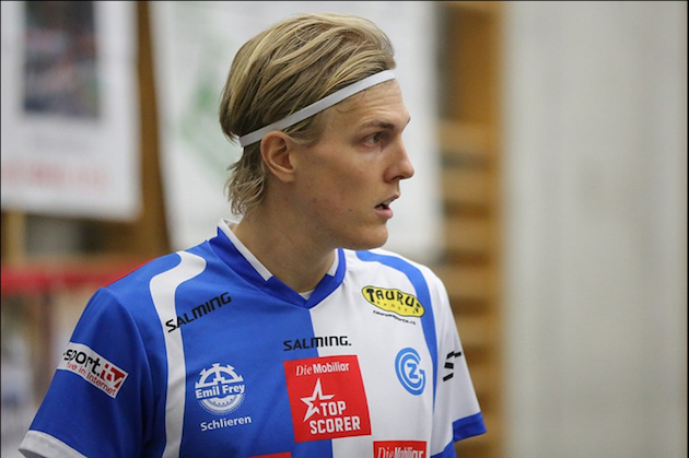Churin täytyy pitää tämä herra kurissa mieliäkseen jatkoon. Kuva: Wilfried Hinz / Unihockey.ch