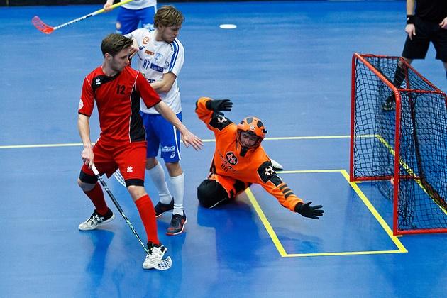 Suomi myllytti Itävallan kumoon lukemin 23-1. Petri Kettunen toivoi, että vastustaja olisi pelannut fyysisemmin. Kuva: IFF