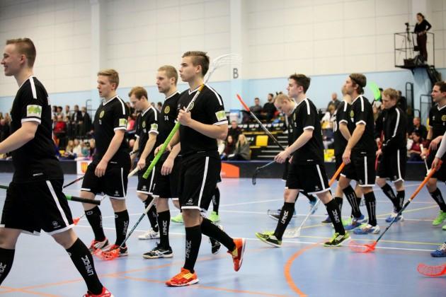 Limingan Niittomiesten ja Hämeenlinnan Steelersin otteluparin ratkaisu siirtyi sunnuntaille.