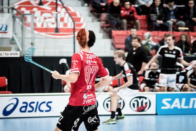 Kasperi Kantosen hiustyyli sunnuntaina Turussa. Kuva: Anssi Koskinen
