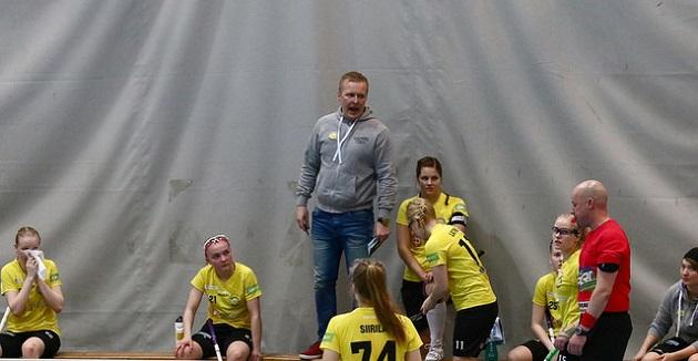 PSS haastaa Classicin naisten Salibandyliigan välierissä. Kuva: Juhani Järvenpää
