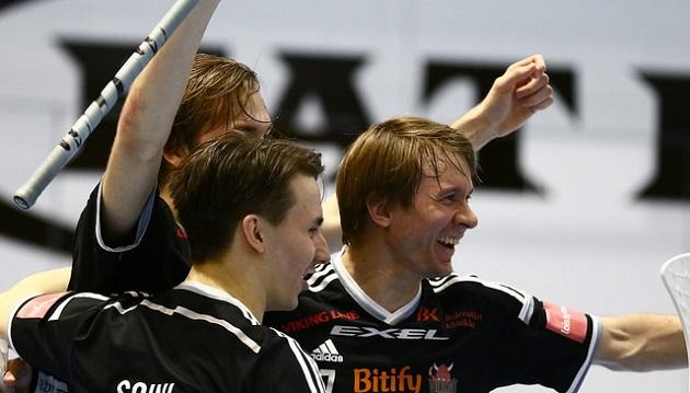 Harri Forsten oli vahvassa vireessä ja upotti kaksi osumaa SPV:n verkkoon. Kuva: Juhani Järvenpää