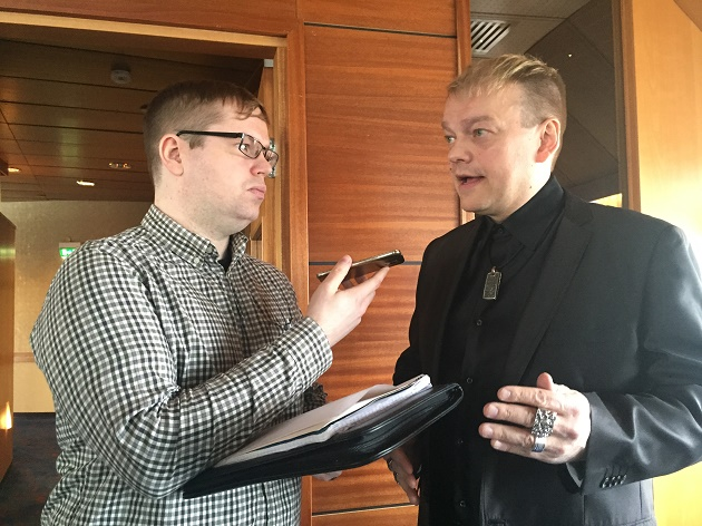 Kurre Westerlundin mukaan on tärkeää, että seurojen historia ei unohdu. Kuva: Jussi Ojala