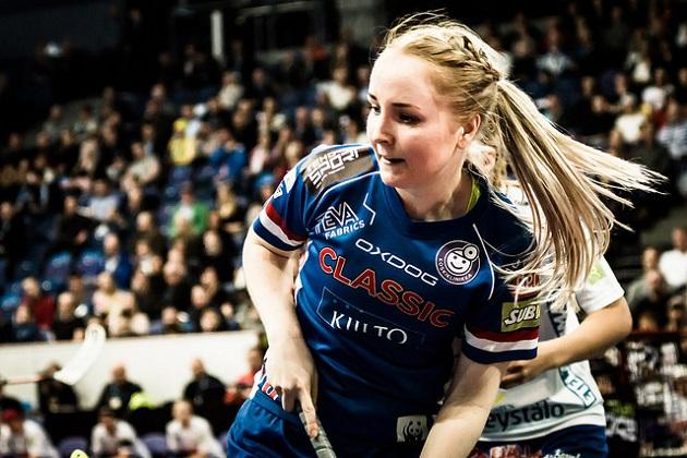 Eliisa Alanko oli Suomen pisterohmu Tshekkiä vastaan. Kuva: Anssi Koskinen
