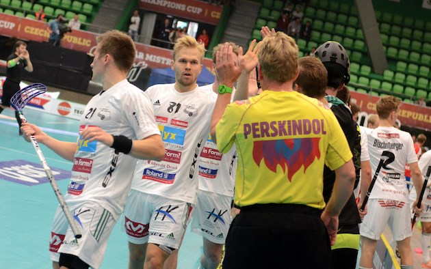 Jami Manninen (nro 81) palloilee ensi kaudella Ruotsissa. Kuva: IFF