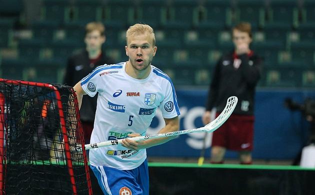 Jami Manninen edusti Suomea Göteborgin MM-kisoissa 2014, ja mies haluaa olla myös Riian joukkueessa joulukuun karkeloissa. Kuva: Salibandyliiga