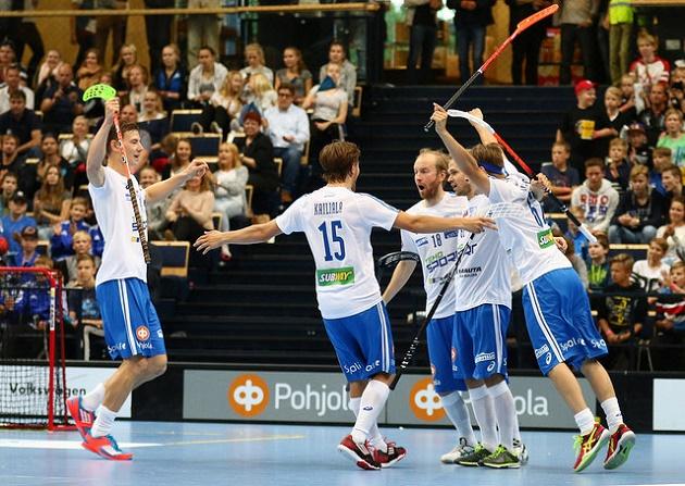 Suomi kohtaa joulukuun MM-kisojen alkulohkossa Viron, Saksan ja Sveitsin. Kuva: Salibandyliiga