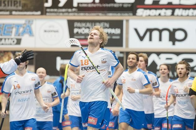 Seuraa johtajaa. Espoolaisryhmän vanhin Markus Olkkonen on ollut Esport Oilersin tehokkain pelaaja pudotuspeleissä. Kuva: Esa Jokinen
