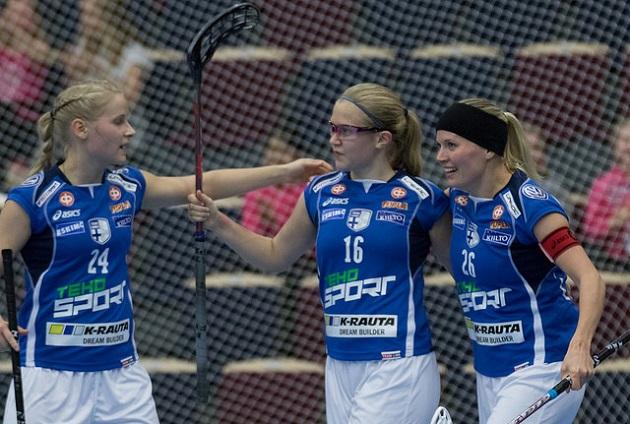 Veera Kauppi on esiintynyt vakuuttavasti myös naisten maajoukkueessa. Tyttöjen MM-joukkueessa tamperelaishyökkääjä selkeä ykköstykki. Kuva: Salibandyliiga