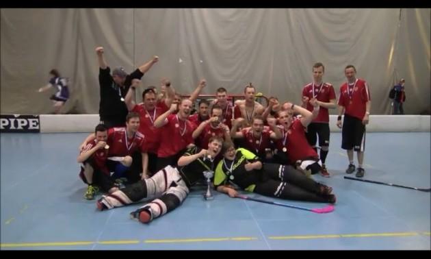 Tampereen Kooveen All Blacks juhli erityisryhmien Suomen mestaruutta. Kuva: Koovee