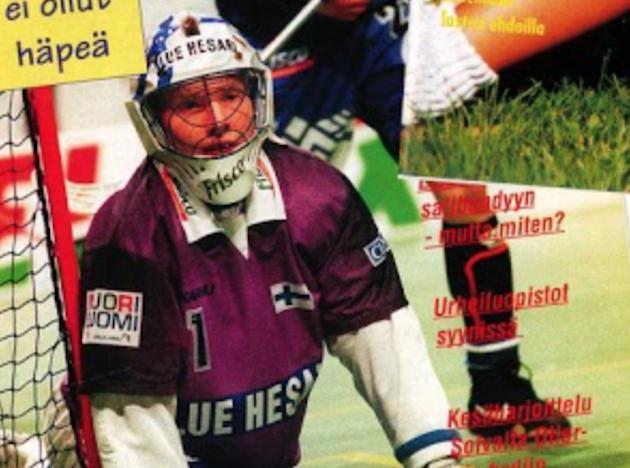 Jan Gråsten Salibandylehden kannessa 90-luvun puolivälissä.
