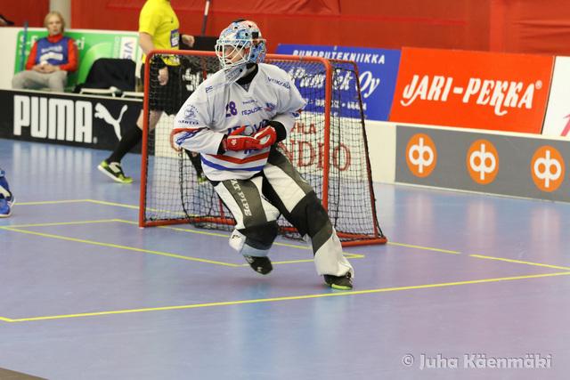 Jarno Ihmeen ja SPV:n mennyt kausi päättyi pettymykseen puolivälierissä. Tulevalla kaudella Ihme pelaa Ruotsin Superliigassa. Kuva: Juha Käenmäki