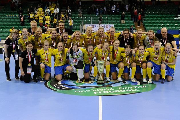 Ruotsi pääsi jälleen juhlimaan U19-tyttöjen MM-kultaa. Kuva: IFF