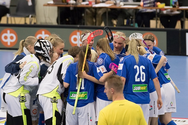 Suomen U19-tytöt aloittavat MM-urakkansa keskiviikkona. Kuva: Salibandyliiga