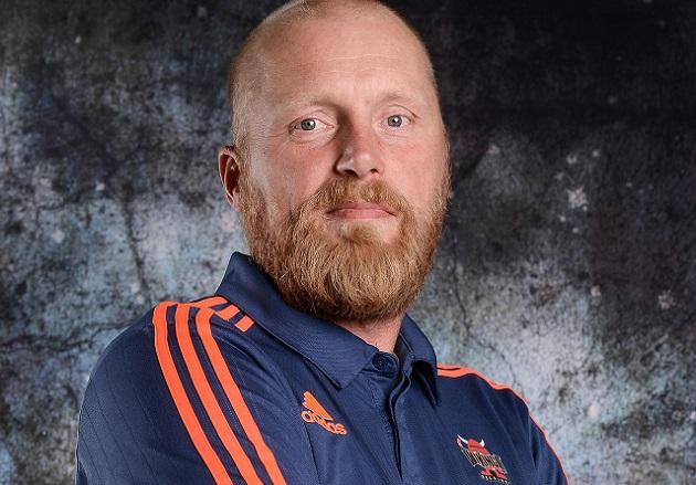 Aikaisemmilta kausilta muun muassa Viinkinkien valmennustiimistä tuttu Petri Huttunen aloittaa päävalmentajan tehtävät Oilersissa. Kuva: Salibandyliiga