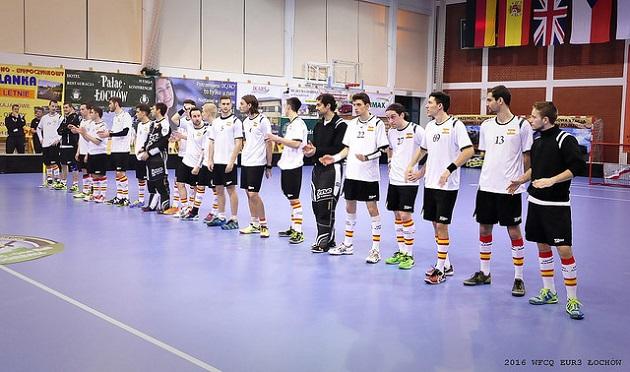 Espanjan salibandymaajoukkue pelasi MM-karsinnoissa Puolan karsintalohkossa. Joukkue nappasi karsinnoissa yhden voiton kaatamalla Iso-Britannian maalein 9-5. Kuva: IFF