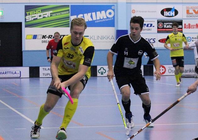 Kellon Lyönnissä viime kaudella pelanneista Kiviojan veljeksistä nuorempi, Tuukka, edustaa ensi kaudella Niittomiehiä. Kuva: Jarmo Jokila