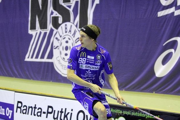 Koko liigauransa NST:tä edustanut Anssi Tikkanen siirtyy ensi kaudeksi M-Teamin paitaan. Kuva: Markku Taurama