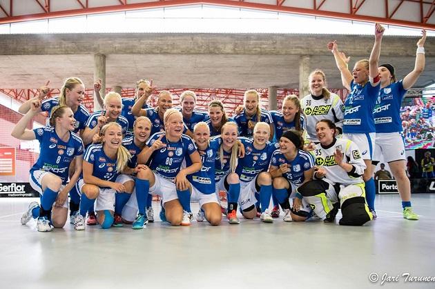 Suomi on nyt opiskelijoiden maailmanmestari naissalibandyn saralla. Kuva: Jari Turunen