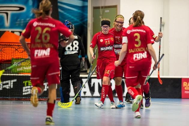 Kooveen naisten joukkueen sopimustilanne elää edelleen. Kuva: Jari Turunen.