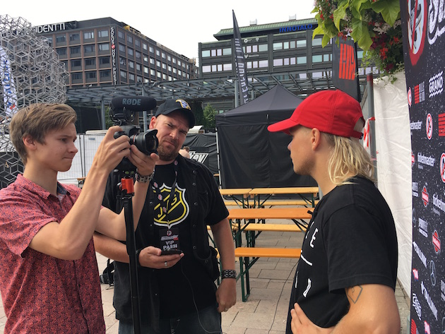 Salibandypiireistäkin varsin tuttu kiekkoselostaja Jani Alkio toimi tähdistöpelin kuuluttajana. Kuva: Jussi Ojala