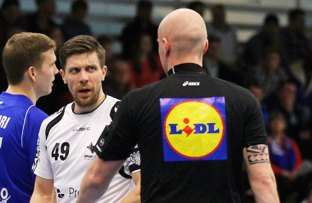 Johnny Ojala iski urallaan yli 700 pistettä Divarissa ja yli 260 pistettä Salibandyliigassa. Kuva: Juhani Järvenpää.