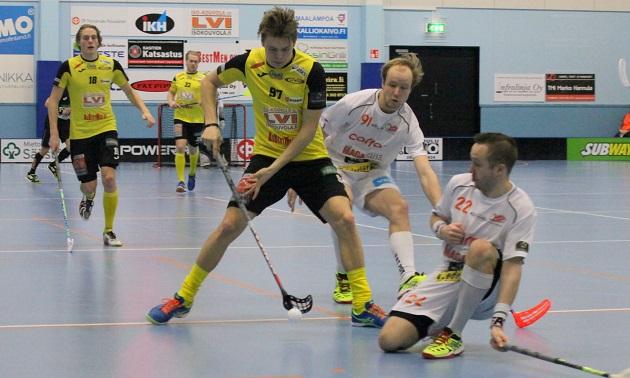 Joakim Ervast (nro. 97) oli viime kaudella SBS Wirmon toiseksi tehokkain pelaaja paunoin 25+7. Kuva: Jarmo Jokila