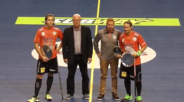 Järven lisäksi ennen ottelua palkittiin vuoden poikajuniori Rasmus Kainulainen. Kuva: Kuvakaappaus videolta