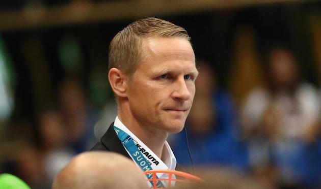 Petri Kettusella on edessään vielä vaikeita valintoja joulukuun MM-kisoja ajatellen. Kuva: Salibandyliiga