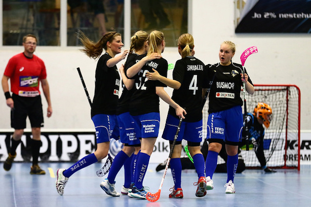 EräViikinkien naiset kaatoivat PSS:n illan ainoassa kamppailussa. Kuva: Juhani Järvenpää.