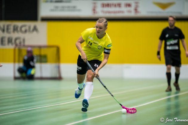 Mia Karjalainen haluaa hoitaa selkänsä kuntoon kunnolla ja olla auttamassa PSS:ää keväällä. Kuva: Jari Turunen