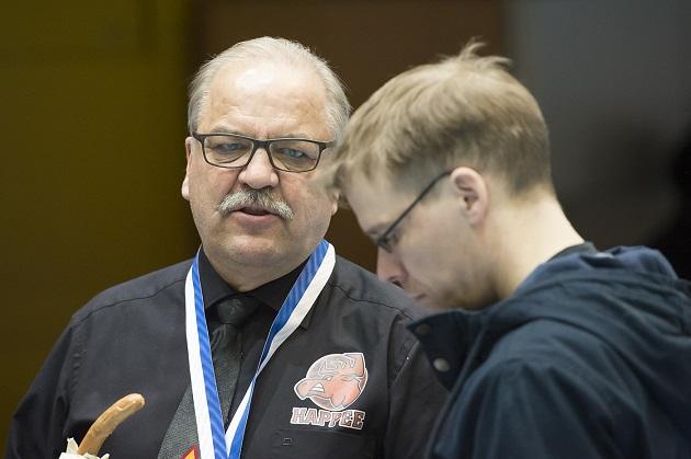Seppo Pulkkinen (vas.) ei toimi Happeen päävalmentajana enää tulevalla kaudella. Kuva: Esa Jokinen