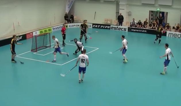 Kosti Jolkkonen ei ole hävinnyt Welhot-maalilla vielä peliäkään. Kuva: Kuvakaappaus videolta.