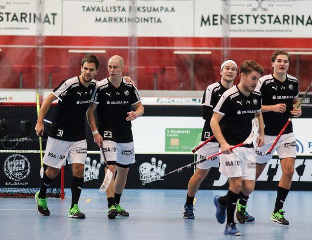TPS:n ykköskenttä oli kovassa pistevireessä LASBia vastaan. Kuva: Mika Hilska.