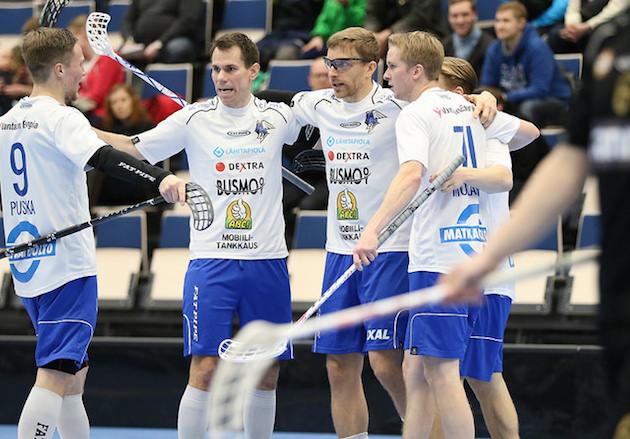 Tuoreet maailmanmestarit olivat valokeilassa Tampereella. Kuva: Esa Takalo.